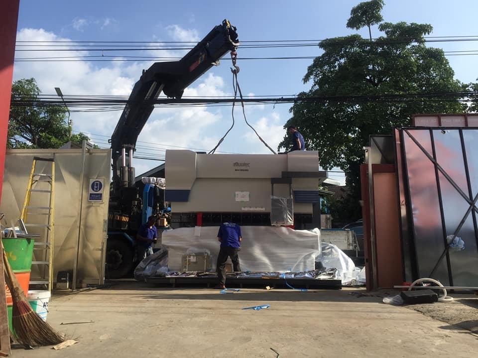งานขนส่ง ติดตั้ง Muratec Press Brake BH13530 ลูกค้าย่านสมุทรปราการ 29-10-61