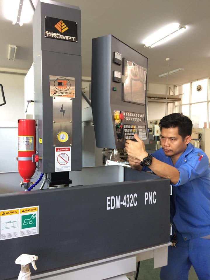 งานติดตั้งเครื่องและเทรนนิ่ง EDM @ Siam Chai Point 3-7-61