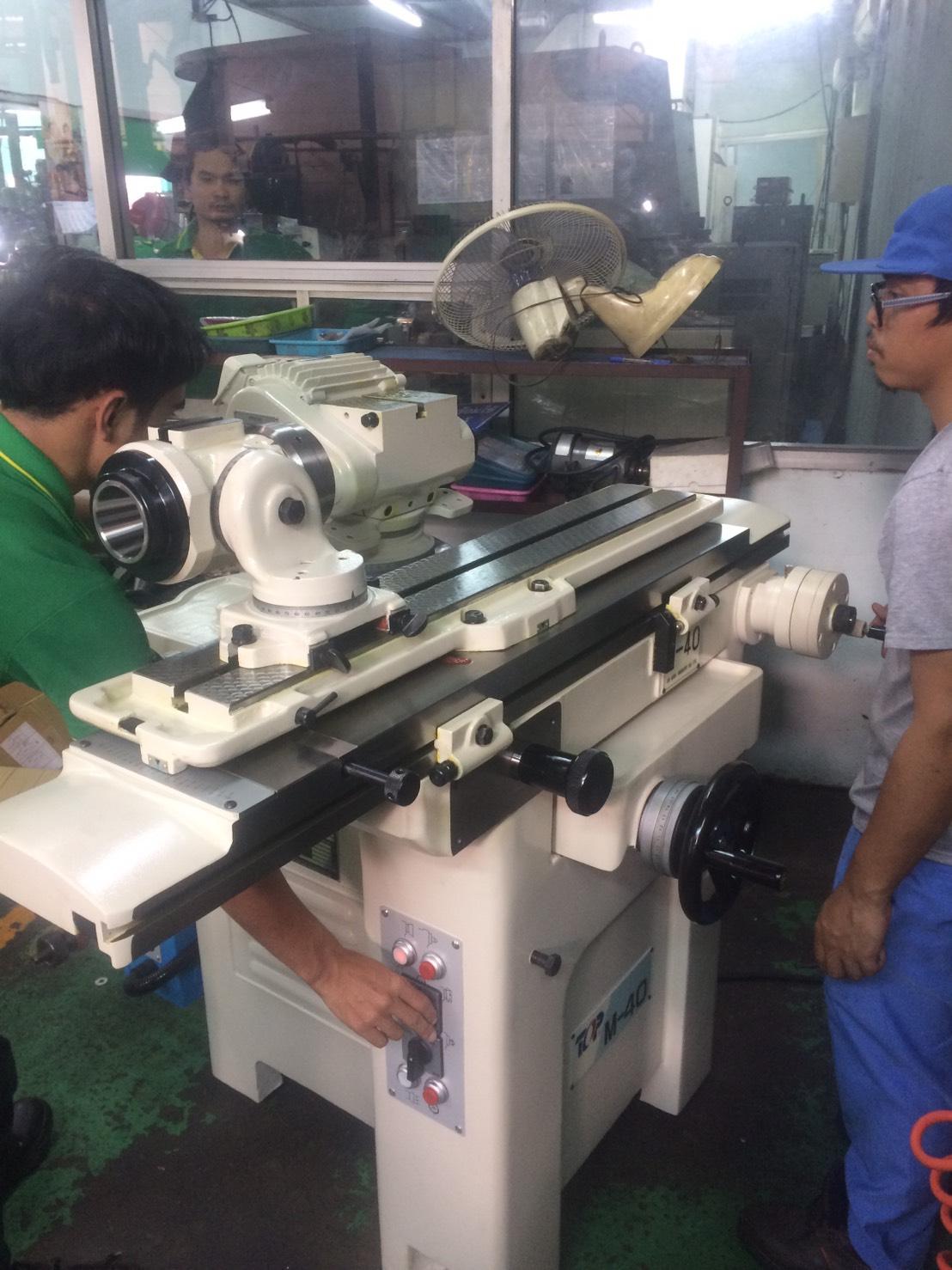 งานติดตั้งเครื่อง M-40 Universal Cutter&Tool Grinder @ TPR 1-8-6