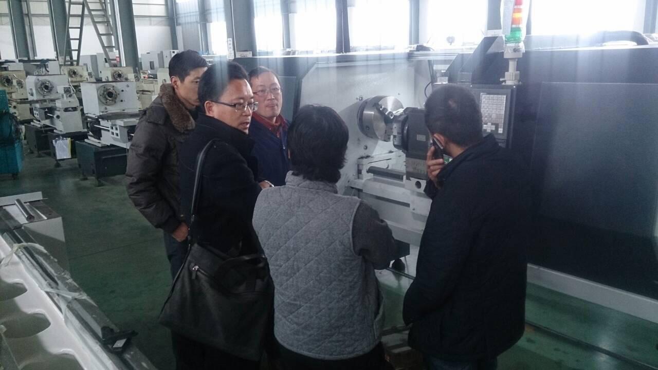 นำลูกค้าตรวจเช็คเครื่องกลึง CNC ก่อนส่งมอบให้ลูกค้า ณ เมืองหนานตง ประเทศจีน 2-5/2/57