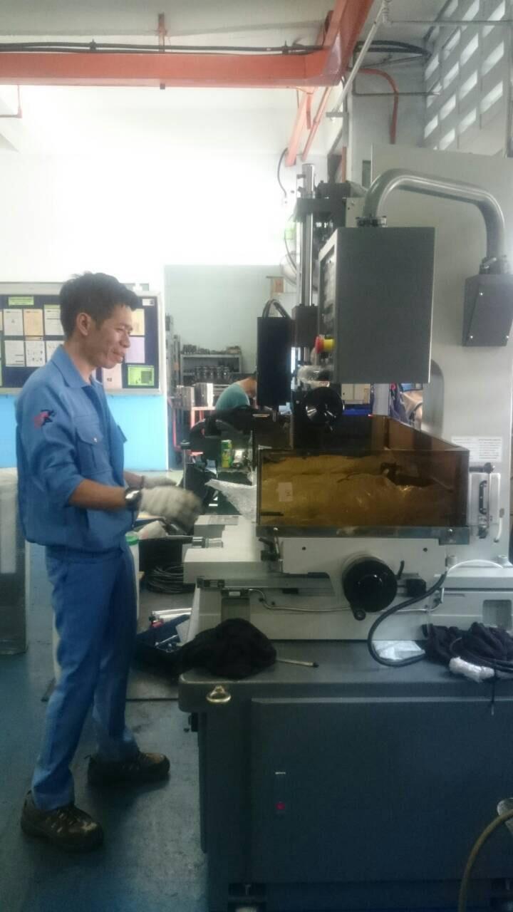 ติดตั้ง Super Drill EDM @ อุตสาหกรรมเครื่องแก้วไทย 18-11-58