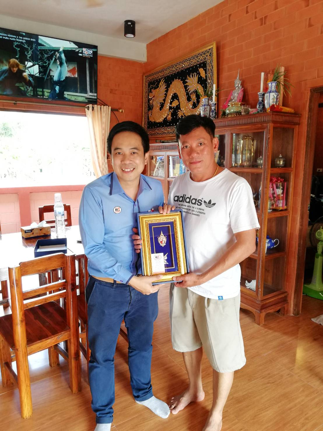 ประธานกลุ่มบริษัท IITGROUP ร่วมแสดงความยินดีกับลูกค้า