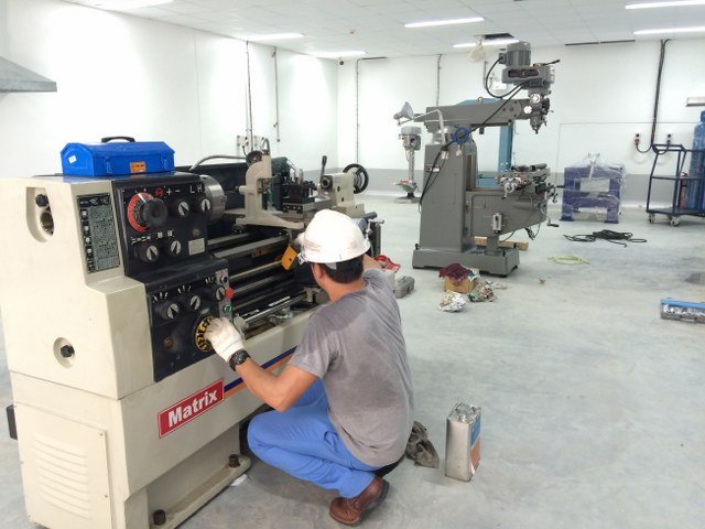 งานติดตั้ง เครื่องกลึง เครื่องมิลลิ่ง @ เปอร์ริเอ้ วิทเทล จ.สุราษธานี โรงงานผลิตน้ำดื่มแห่งใหม่ ในเครือ เนสเล่ ประเทศไทย 16-8-59